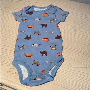 Carter's onsie Sz 9M blue with animals